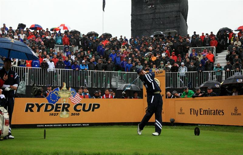 NEWPORT, WALES - OCTOBER 01:  Matt Kuchar of the USA hits his tee shot on the 1st hole during the Morning Fourball Matches during the 2010 Ryder Cup at the Celtic Manor Resort on October 1, 2010 in Newport, Wales.  (Photo by David Cannon/Getty Images)