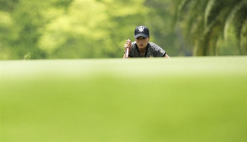 SINGAPORE - MARCH 07:  Se Ri Pak of South Korea on the par five 15th hole during the third round of HSBC Women's Champions at the Tanah Merah Country Club on March 7, 2009 in Singapore.  (Photo by Victor Fraile/Getty Images)