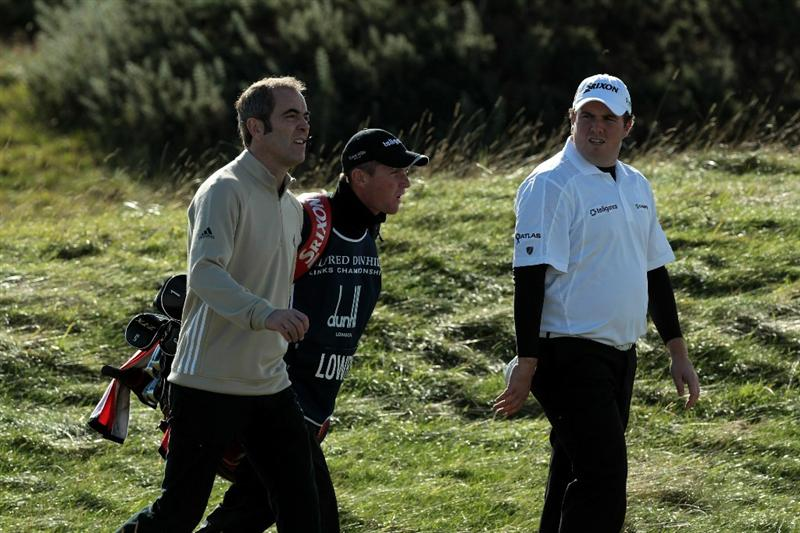 ST ANDREWS, SCOTLAND - OCTOBER 07:  Shane Lowry of Ireland walking with the Northern Irish Actor James Nesbitt at the 5th hole during the first round of The Alfred Dunhill Links Championship at The Old Course on October 7, 2010 in St Andrews, Scotland.  (Photo by David Cannon/Getty Images)
