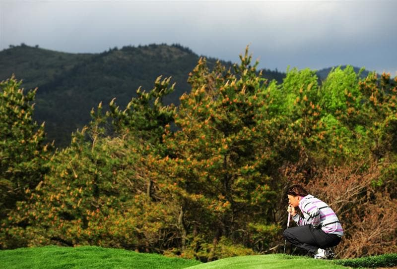 JEJU, SOUTH KOREA - APRIL 25:  Robert - Jan Derksen of The Netherlands ponders his putt on the 14th hole during the third round of the Ballantine's Championship at Pinx Golf Club on April 25, 2009 in Jeju, South Korea.  (Photo by Stuart Franklin/Getty Images)
