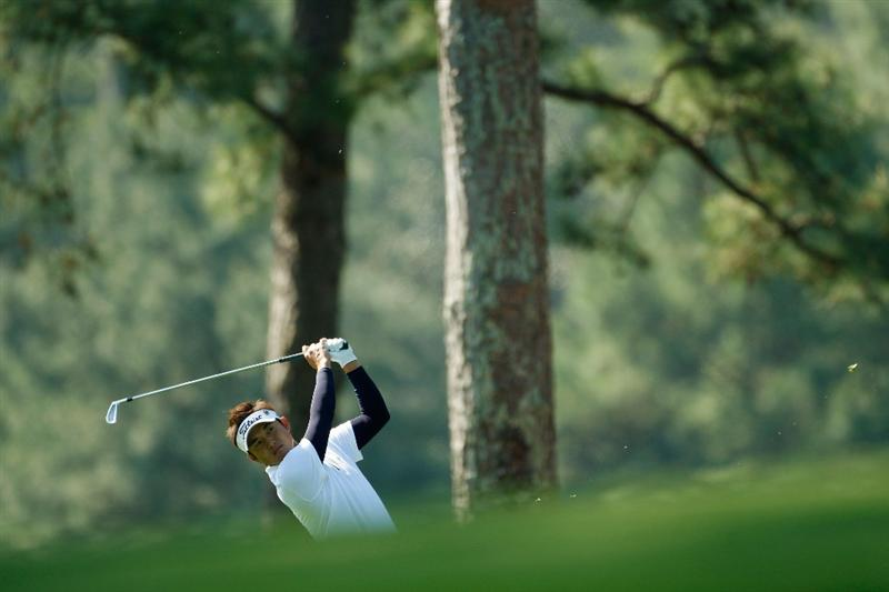 AUGUSTA, GA - APRIL 09:  Ryuji Imada of Japan hits a shot on the first hole during the first round of the 2009 Masters Tournament at Augusta National Golf Club on April 9, 2009 in Augusta, Georgia.  (Photo by Jamie Squire/Getty Images)