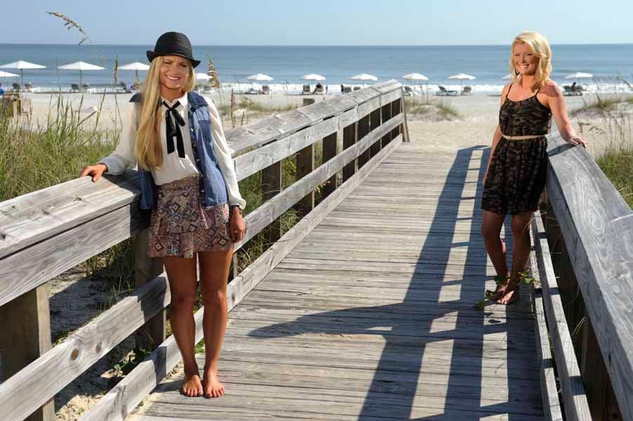 Big Break Florida players Lindsay Aho and Dallas Odom.