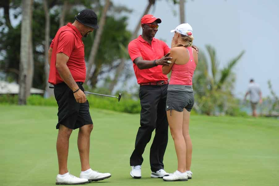Jerry Rice Gives Teammate a Hug on Big Break NFL Puerto Rico