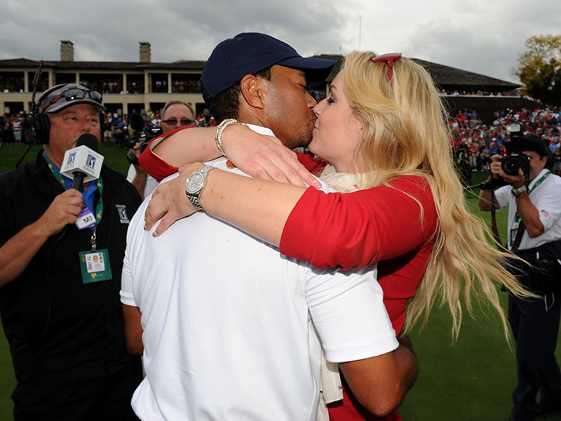 10. Announces relationship with Lindsey Vonn