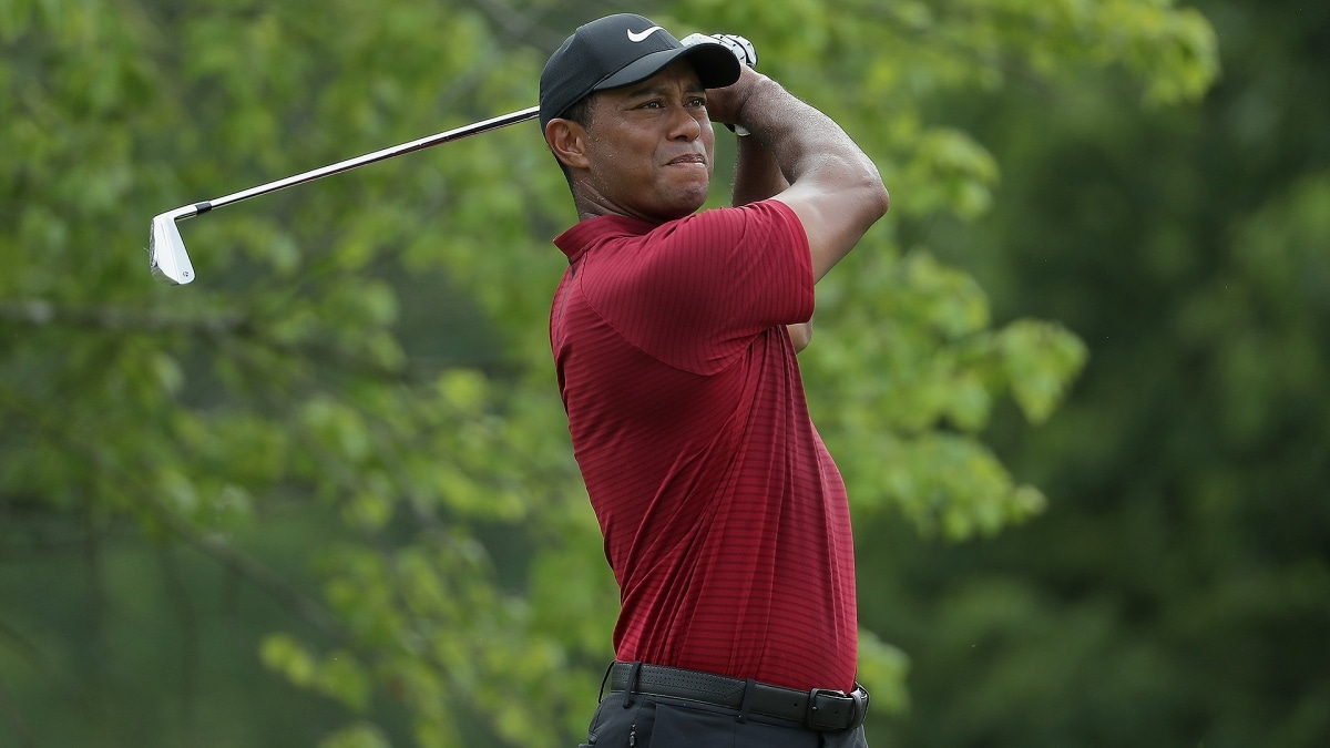 tiger woods adds bmw championship to playoff schedule