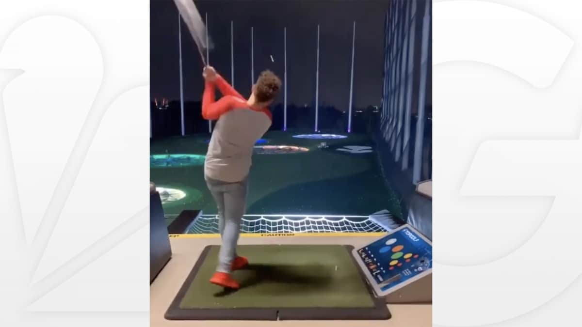 Video Of Patrick Mahomes' Golf Swing Is Going Viral