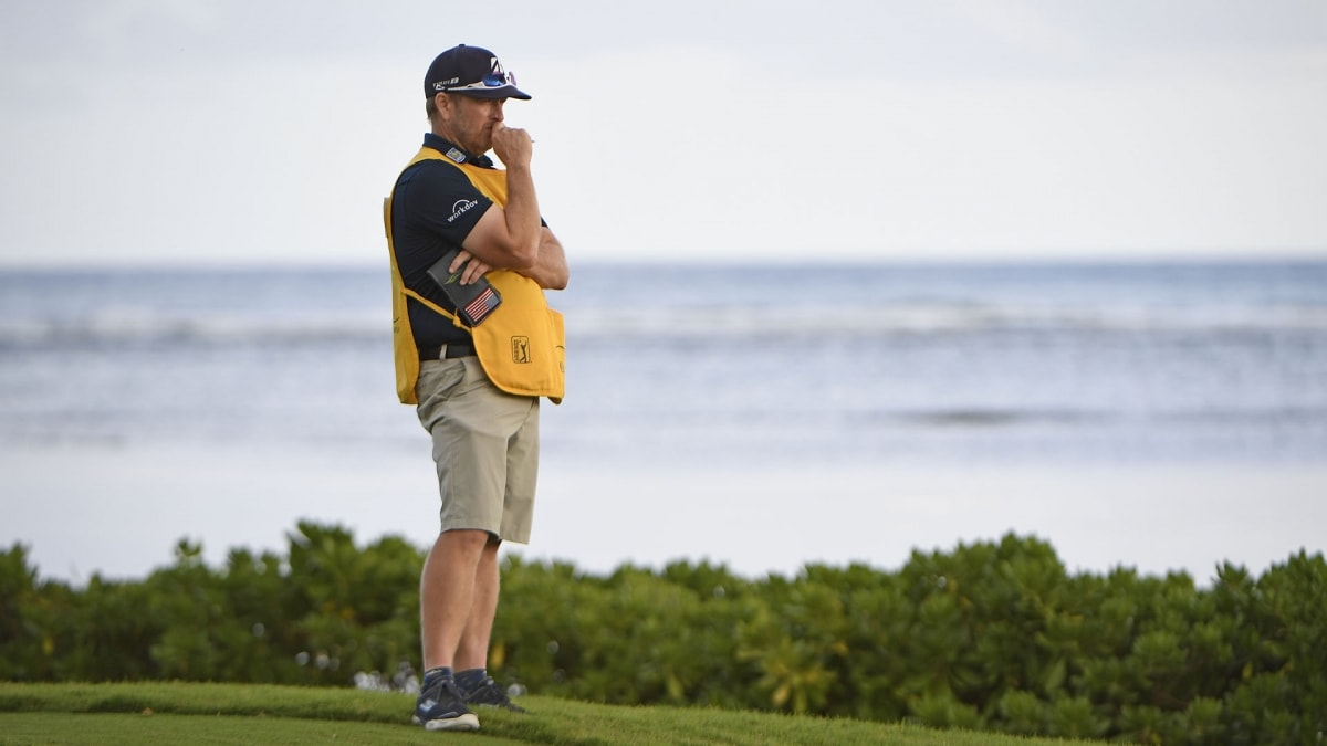 Kuchar apologizes after caddie payment controversy