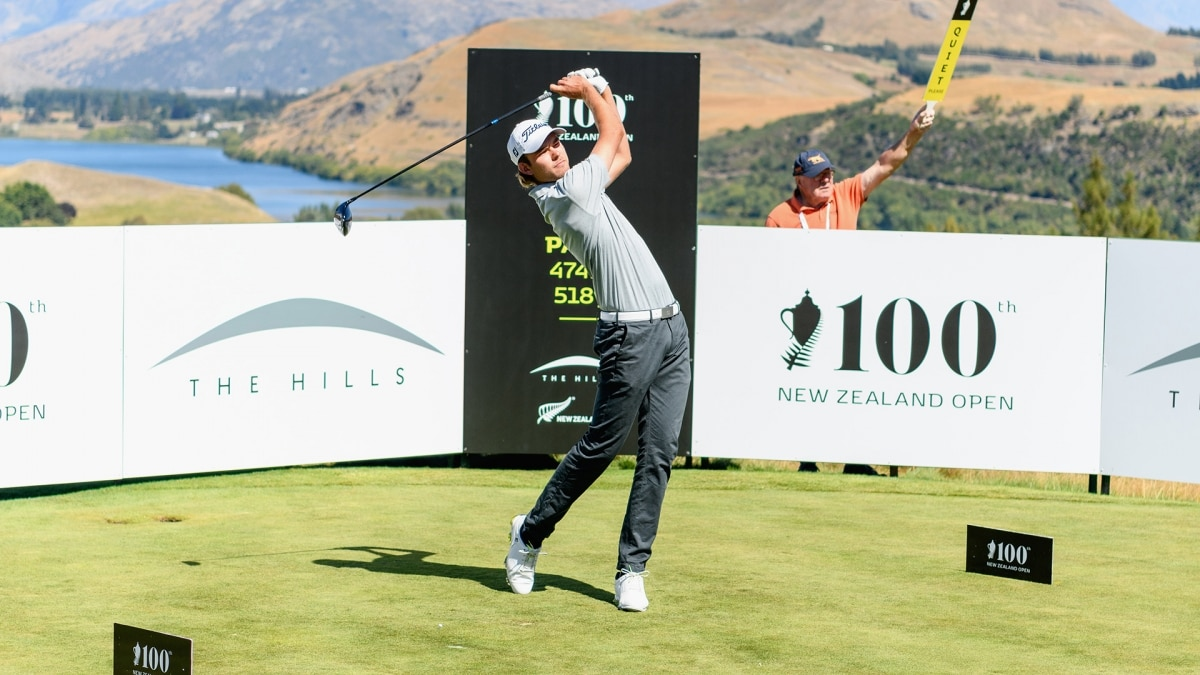 Australia's Murray leads New Zealand Open by five shots