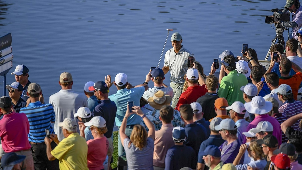 tiger woods had easier drop option on no  17 at the players on friday