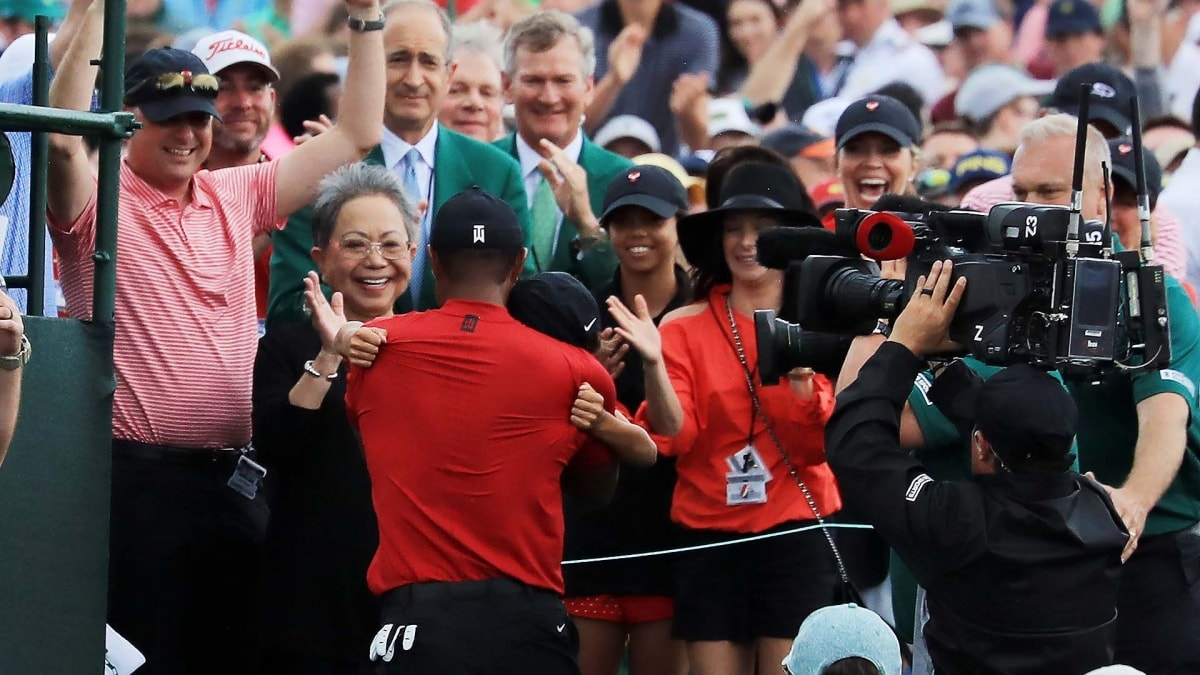 watch  tiger woods u0026 39  emotional 2019 masters celebration