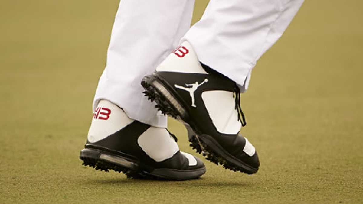 Keegan Bradley Brings Michael Jordan Shoes to Golf Course  443d26166