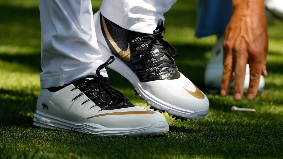 969a916f9bc Masters 2016  Rory McIlroy Honors Kobe Bryant With Shoes On  Mamba ...