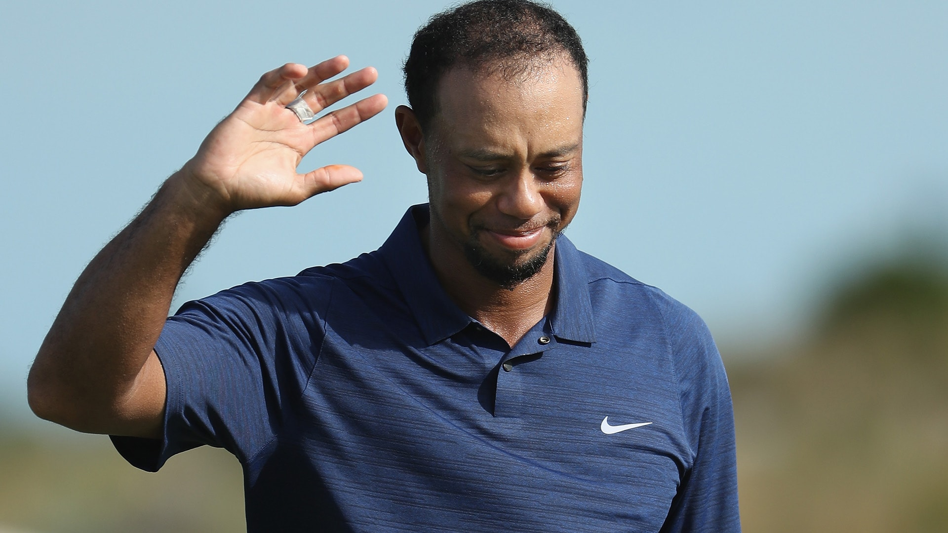 tiger woods posts bogey