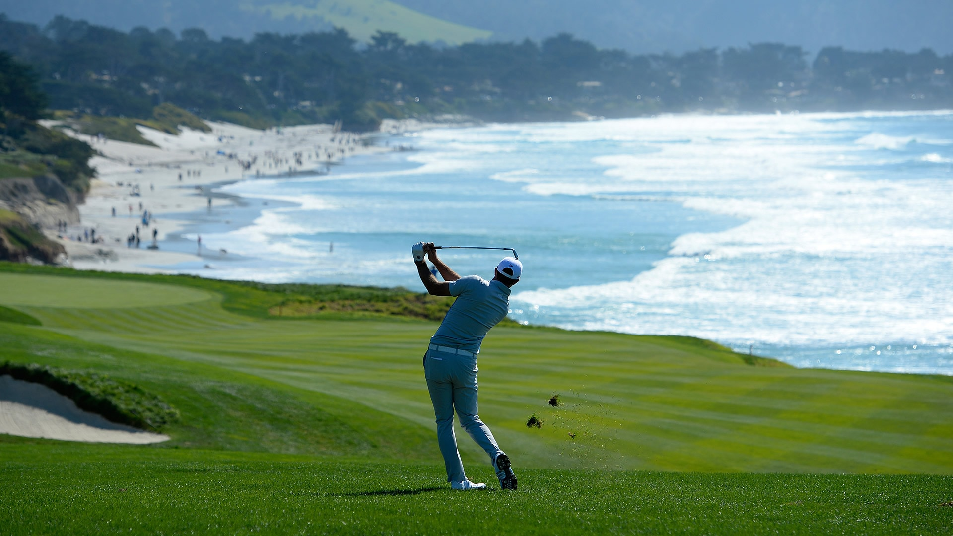 cost to play golf at pebble beach