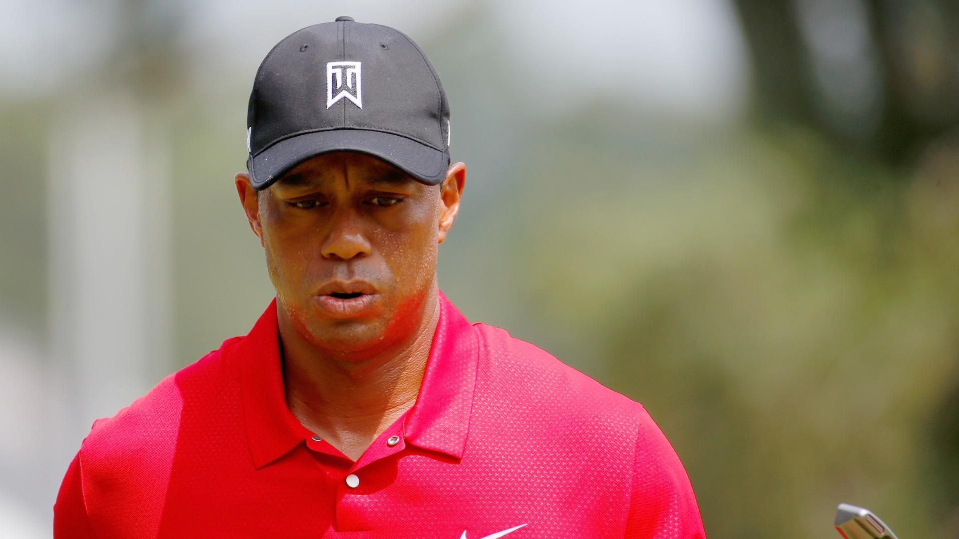 Tiger Woods rơi xuống vị trí 507 thế giới