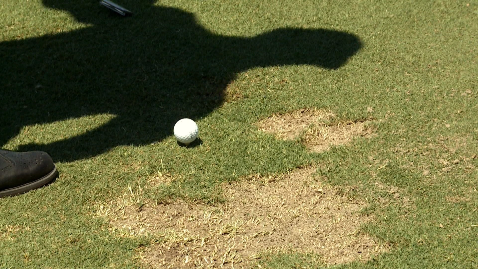 Sandy Lyle: How to use divot to line up tee shots | Golf ...